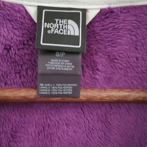 The North Face Jackets & Coats - NWOT The North Face Osito fleece sweater